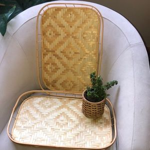 Set of 2 woven wicker trays